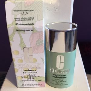 NWT Clinique Redness Solutions Makeup